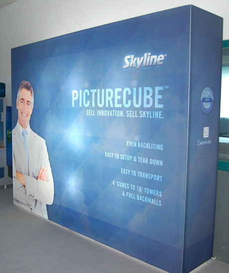 PictureCube Back Wall