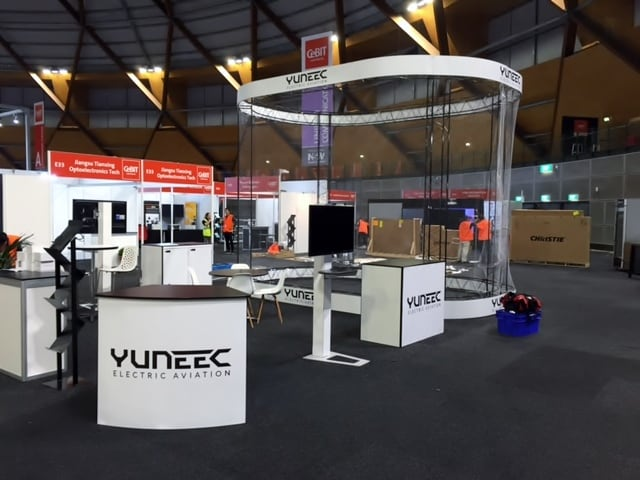 16.0136_Yuneec International_Truss_Mosaic_Convey on Steroids_I&D_CeBIT 2016 (2)